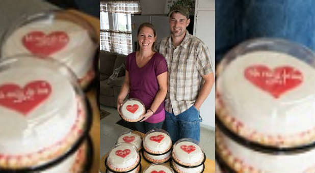 Melissa and Aaron Klein baked 10 cakes to send to the top 10 gay organizations as a gesture of love.