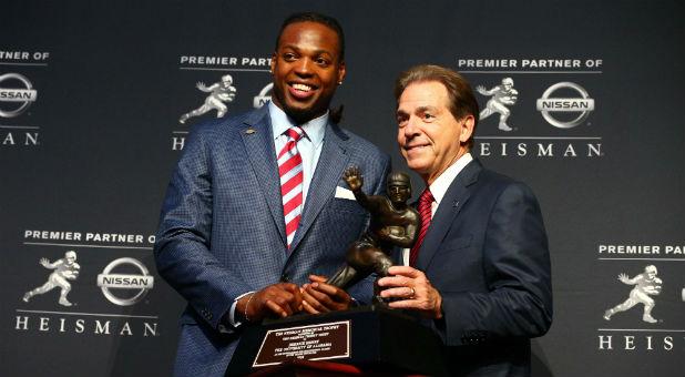 Heisman Trophy Winner Derrick Henry Gives Glory to God in