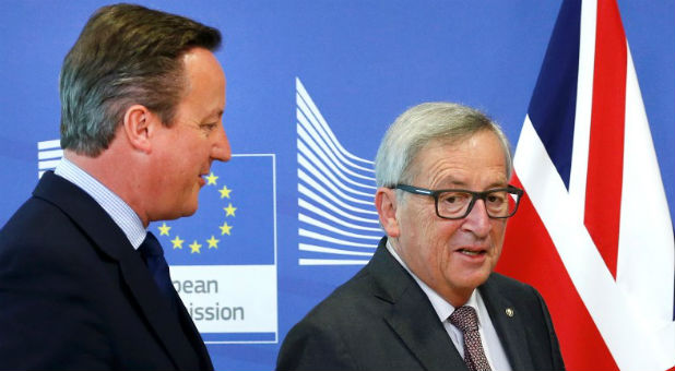 Britain's Prime Minister David Cameron and EU Commission President Jean-Claude Juncker arrive at the EU Summit in Brussels, Belgium, June 28, 2016