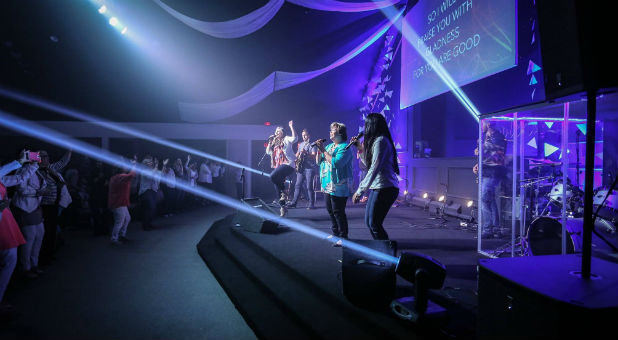 church whose guidelines ban fat people from worship team cries rh charismanews com Join the Worship Team Join the Worship Team