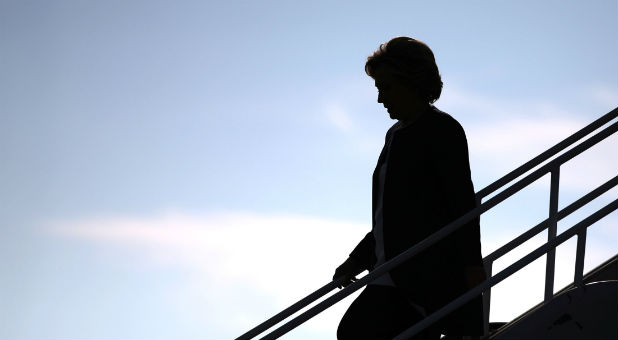 U.S. Democratic presidential nominee Hillary Clinton walks off her plane as she arrives in Burbank, Los Angeles