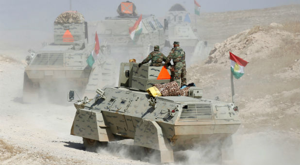 Peshmerga forces advance in the east of Mosul to attack Islamic State militants in Mosul