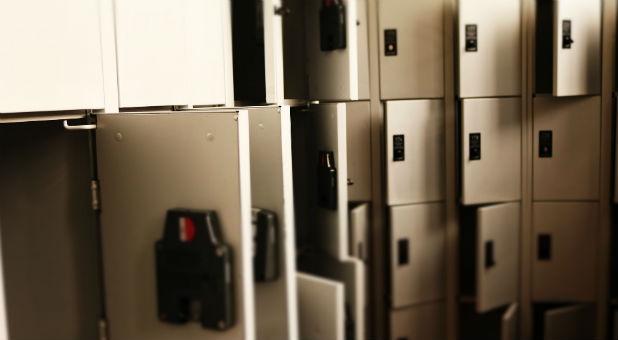 Illinois families sue over transgender access to locker