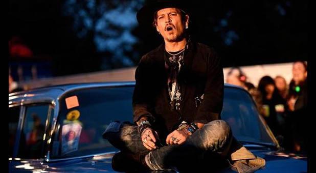 Johnny Depp Talks Abou...