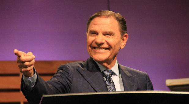 Kenneth Copeland speaks at Kairos 2017.