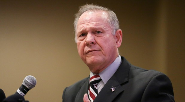 All eyes are on Alabama as the controversial senate race between Republican Roy Moore and Democrat Doug Jones quickly comes to a close.