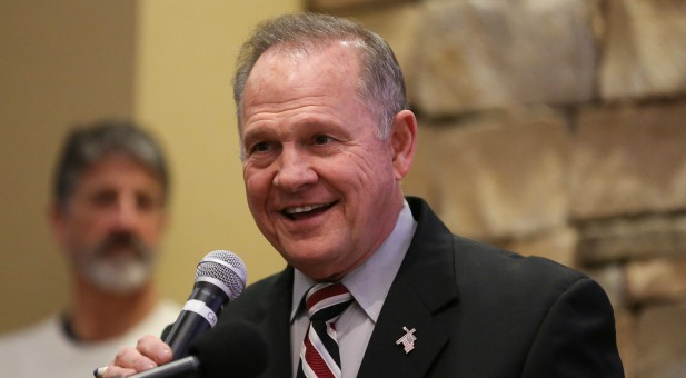 5 Questions for Evangelicals in the Aftermath of Roy Moore ...