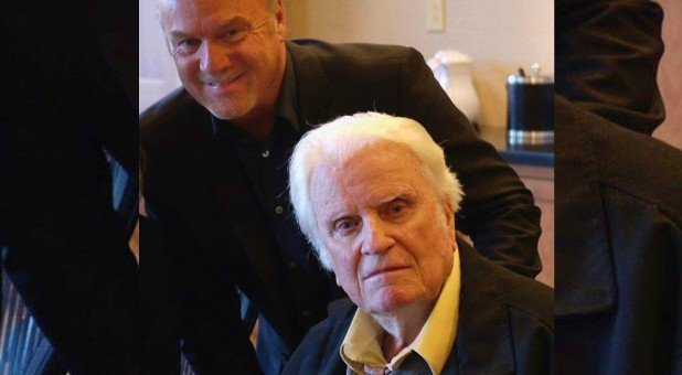 Greg Laurie with Billy Graham