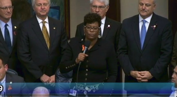 Kim Daniels, center, speaks on HB 839.