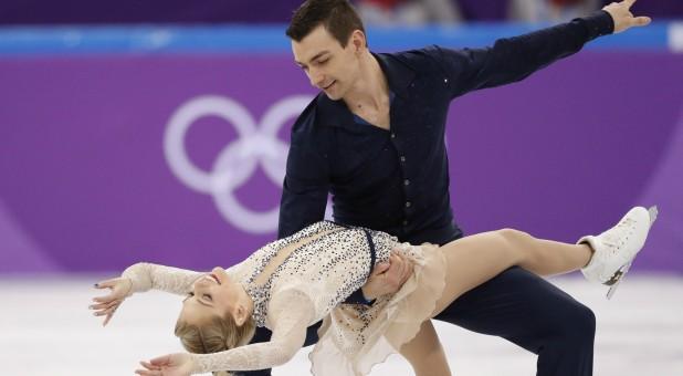 Alexa Scimeca Knierim and Chris Kneirim of the U.S. in action.