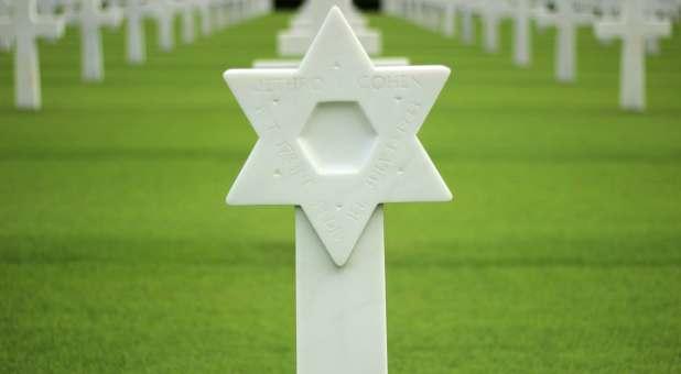 Star of David gravestone memorial