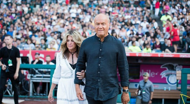 Greg Laurie, right, with his wife.