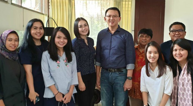 "Former Jakarta governor Basuki ""Ahok"" Tjahaja Purnama poses with his relatives."