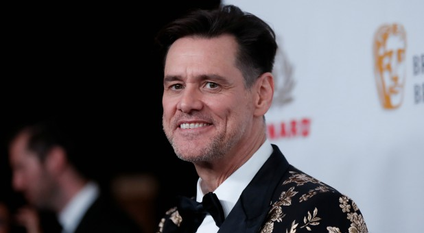 Jim Carrey refuses to take selfies with fans and it's life ...  |Jim Carrey