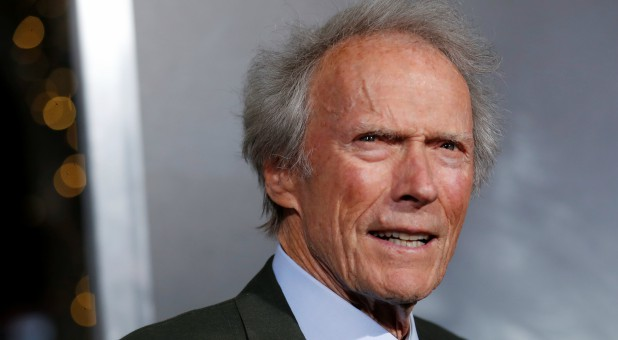 "Clint Eastwood poses at the premiere of ""The Mule"" in Los Angeles"