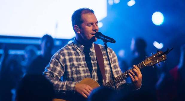 Hillsong Worship Leader Announces He Wants No Part in