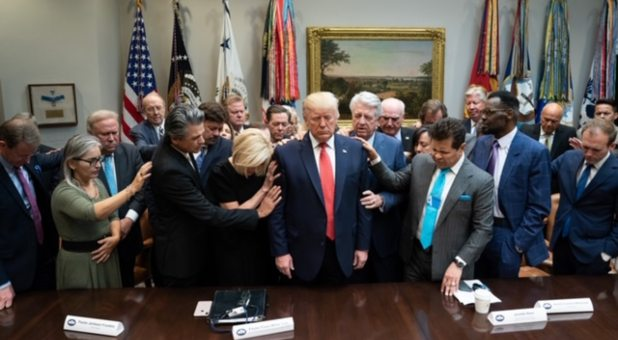 25 Pastors, Including Paula White Cain, James Dobson and Jentezen Franklin, Pray Over Trump at White House