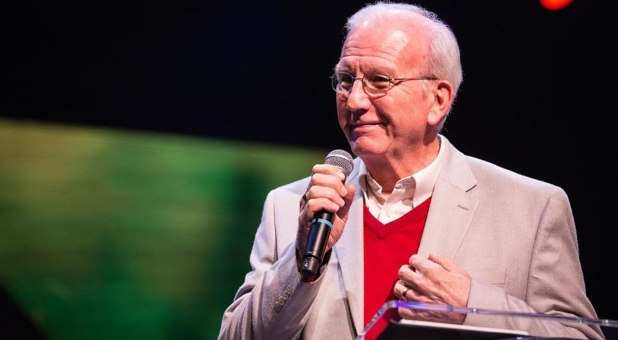 Cru/Campus Crusade for Christ International President Steve Douglass to Step Down After 19 Years