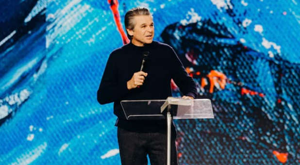 Jentezen Franklin's Church Calls Nation to 21 Days of Fasting and Prayer for Future of America
