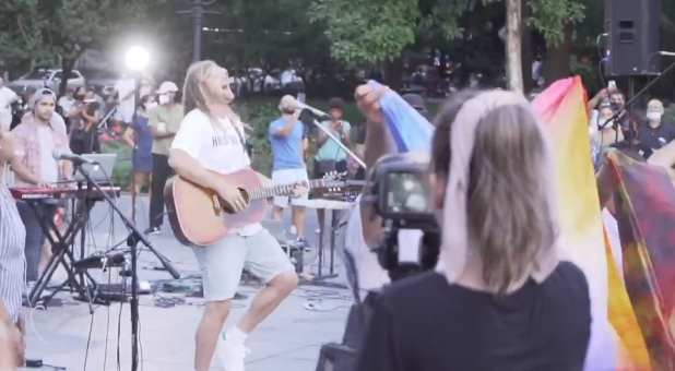Sean Feucht leads worship in Washington Square Park, New York City.