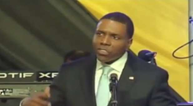Creflo Dollar had a prophetic dream about Myles Munroe three days after his death.