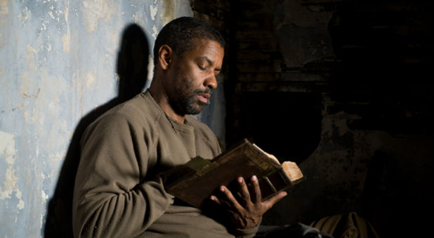 Actor Denzel Washington in 'The Book of Eli.'