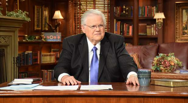 "Megachurch pastor John Hagee is not the ""discoverer"" of the pattern of blood moons, according to news reports from WND."