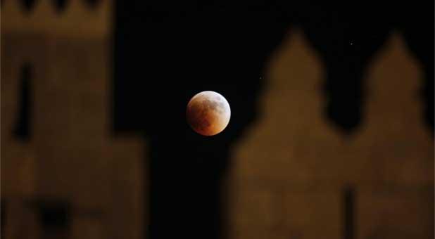 A blood moon in Jerusalem in 2011